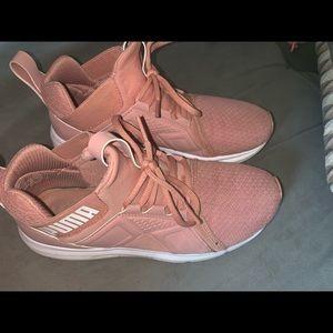 Puma Hightop tennis shoes
